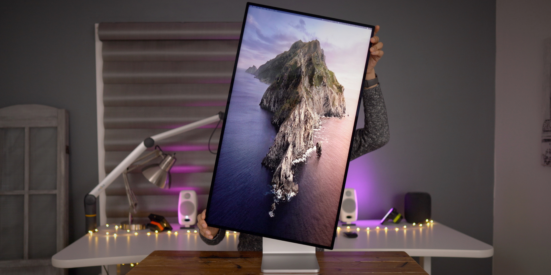 photo of Pro Display XDR top features — amazing build quality and stunning view [Video] image