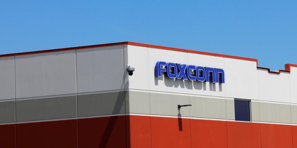 Report: Foxconn investing $1 billion in India following Apple's strong request