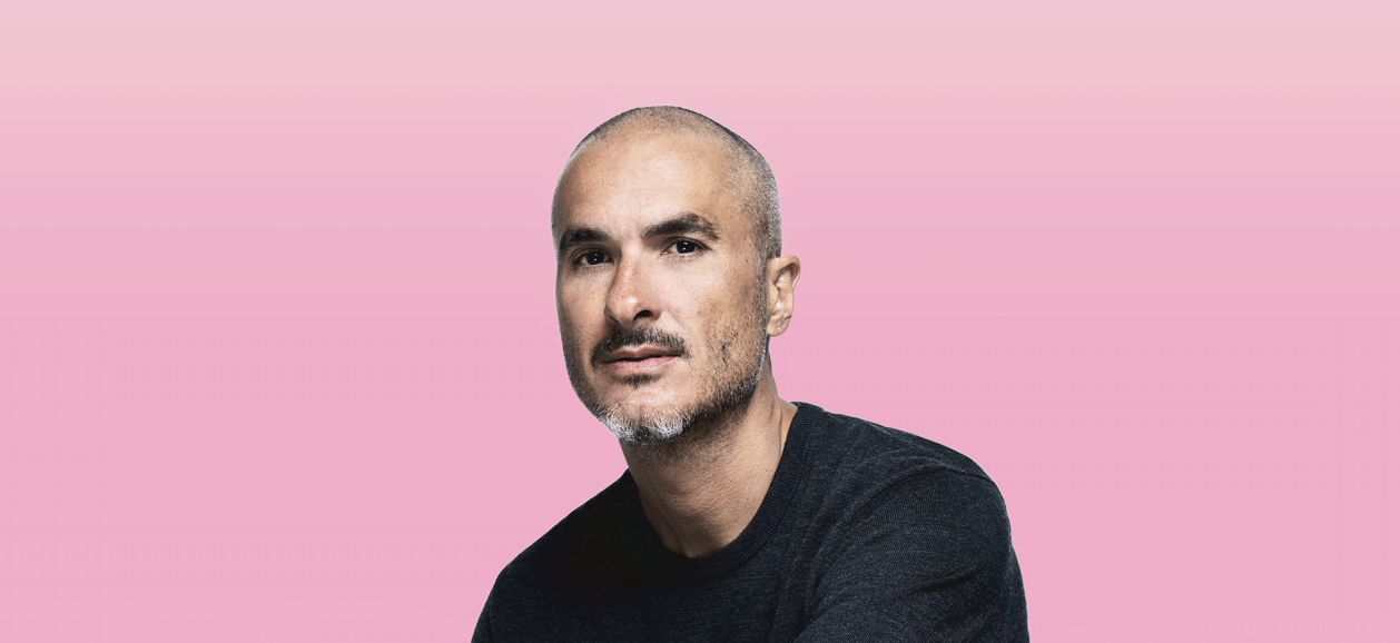 photo of Apple Music's Zane Lowe brings interviews with iconic artists to new podcast image