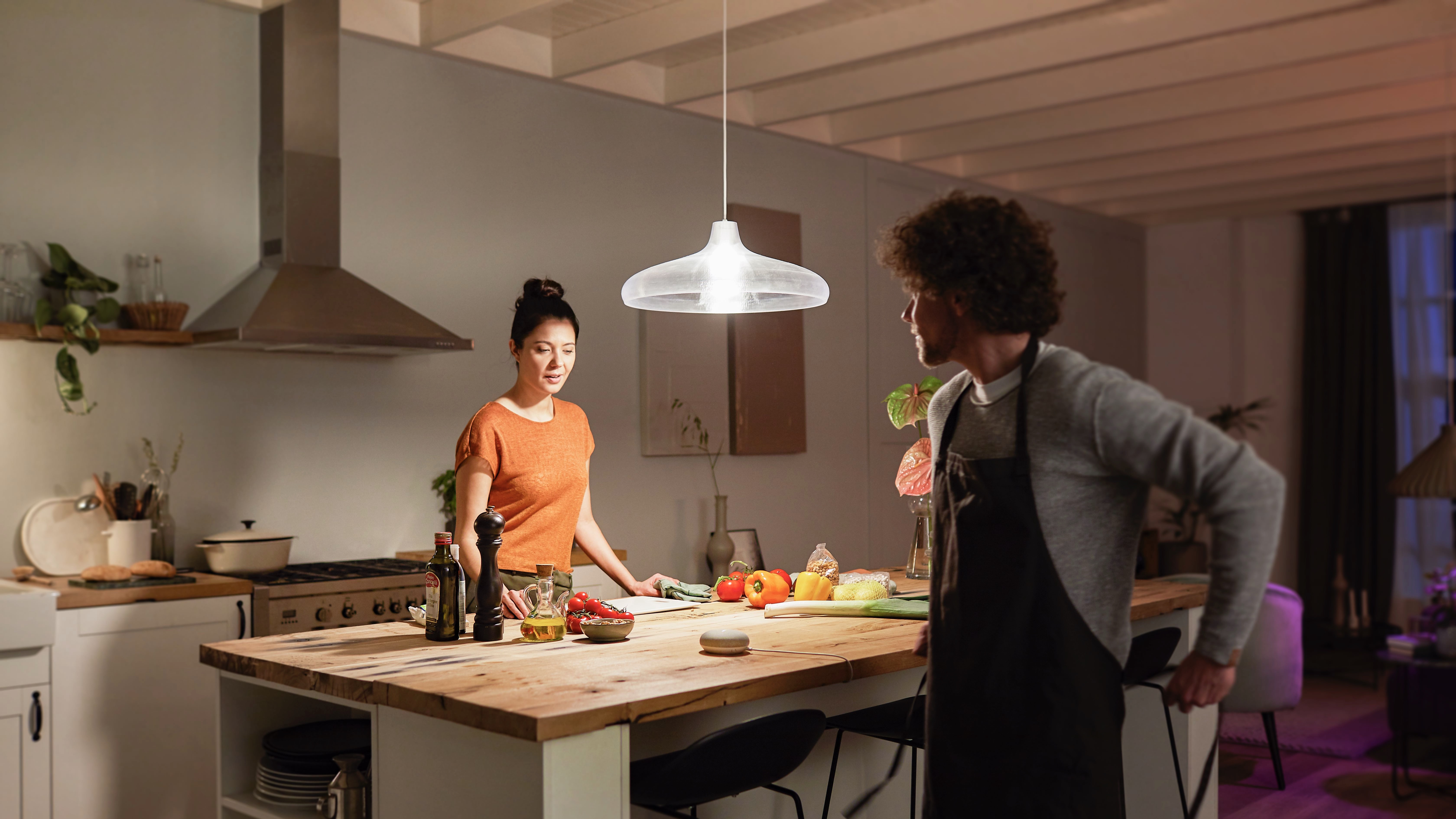 Philips Hue Announces New 1600 Lumen Smart Bulb Updated Lightstrip Plus And Bloom Table Lamp 9to5mac