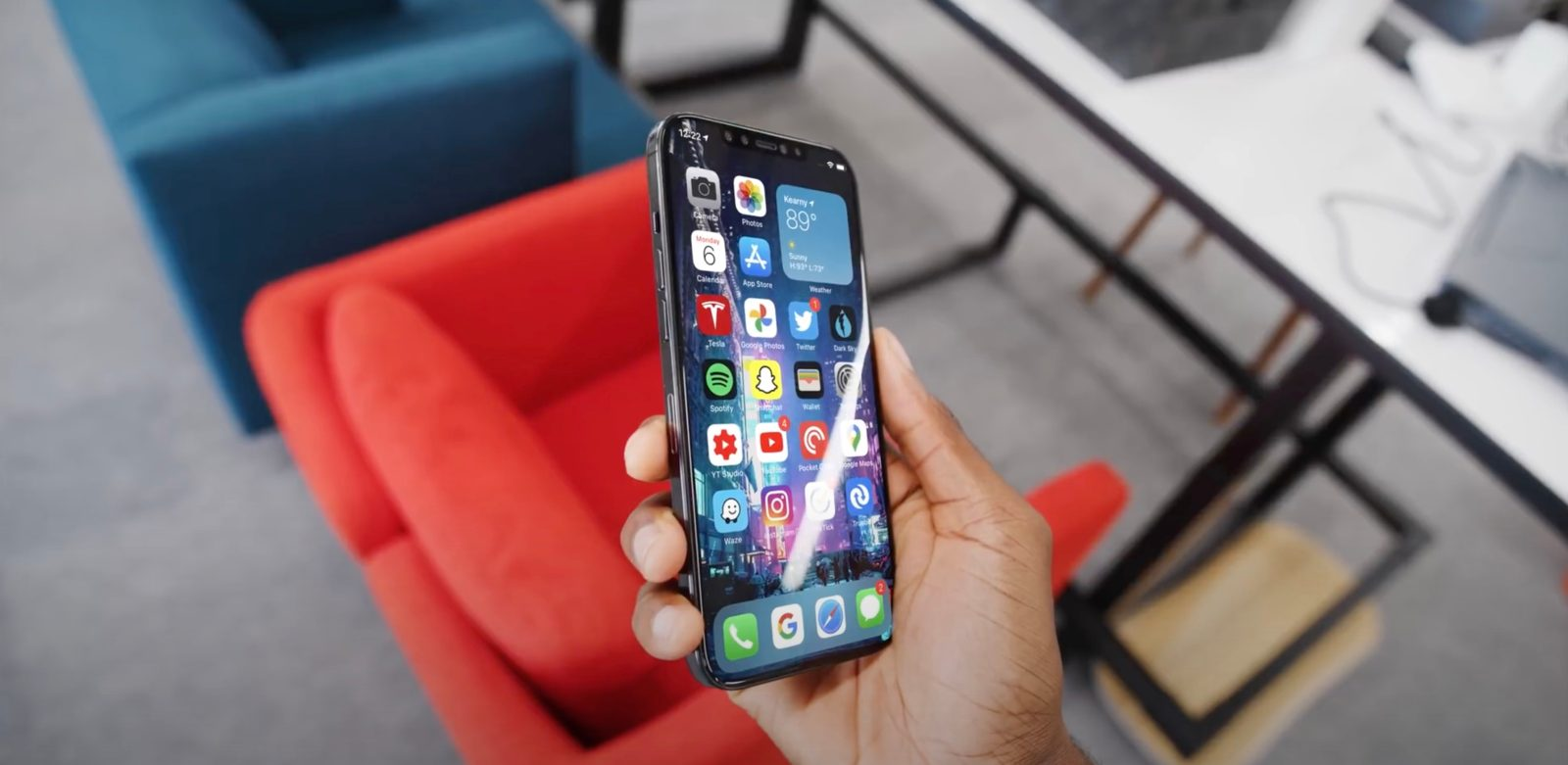 photo of Latest iPhone 12 dummy hands-on video simulates iOS 14, offers side-by-side iPhone 4 comparison image