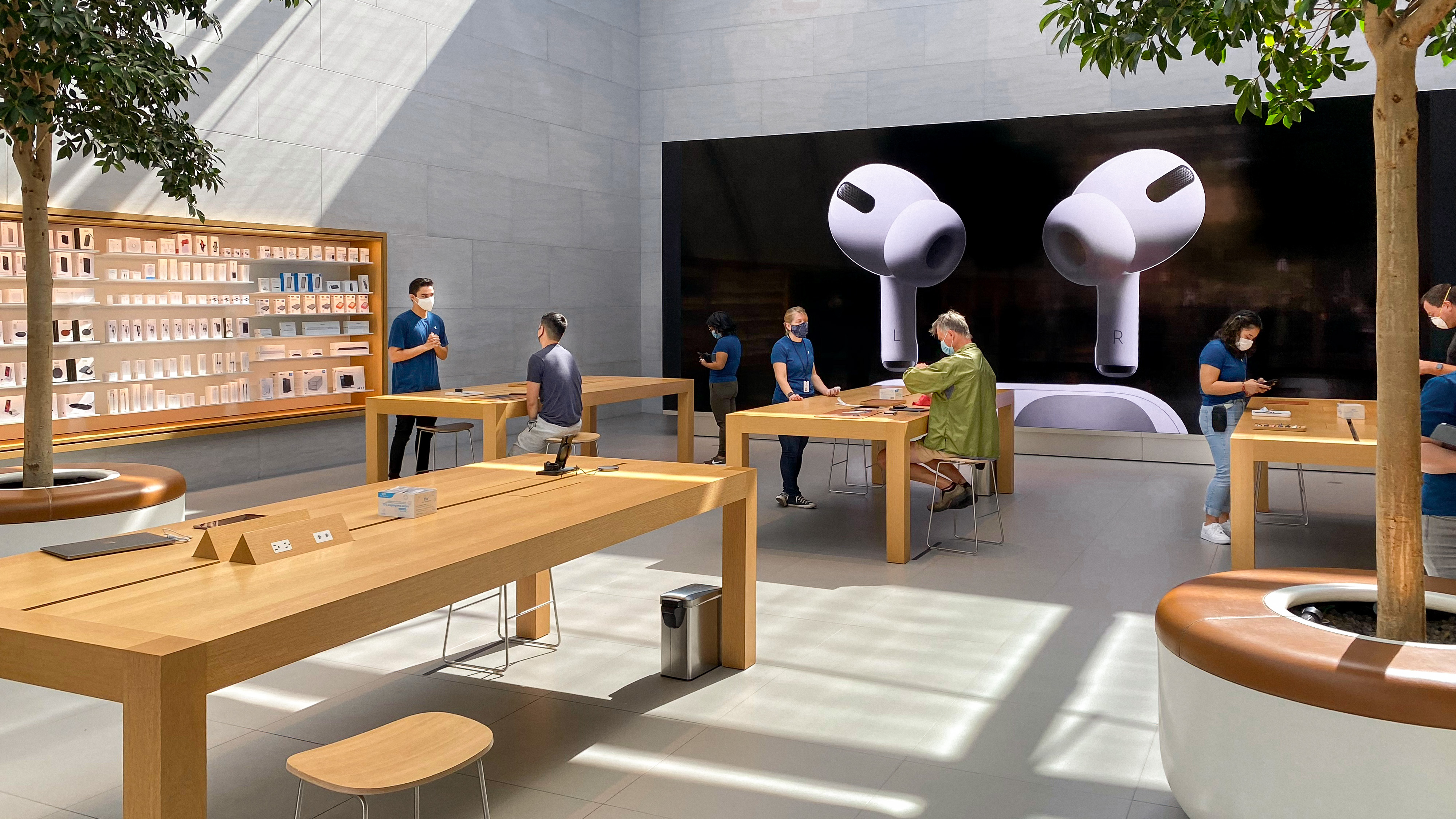 photo of COVID-19 Apple Store changes uncover opportunities for long-term improvements image
