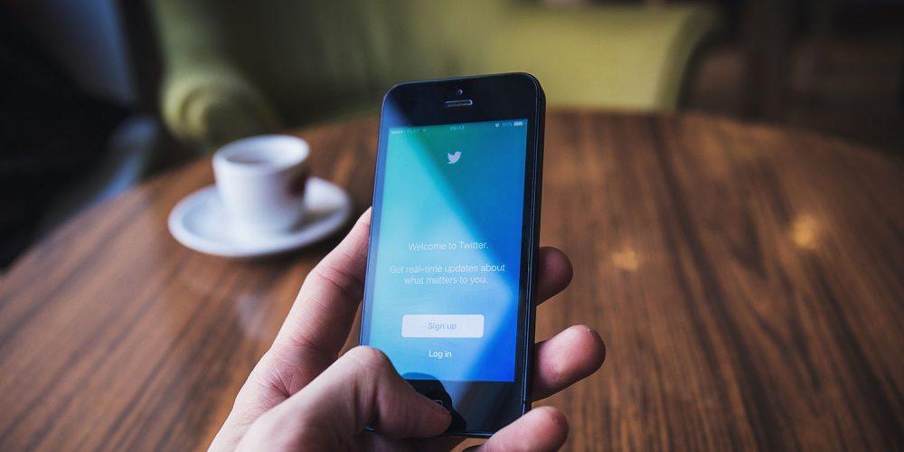 Twitter accused of hypocrisy over Trump tweets
