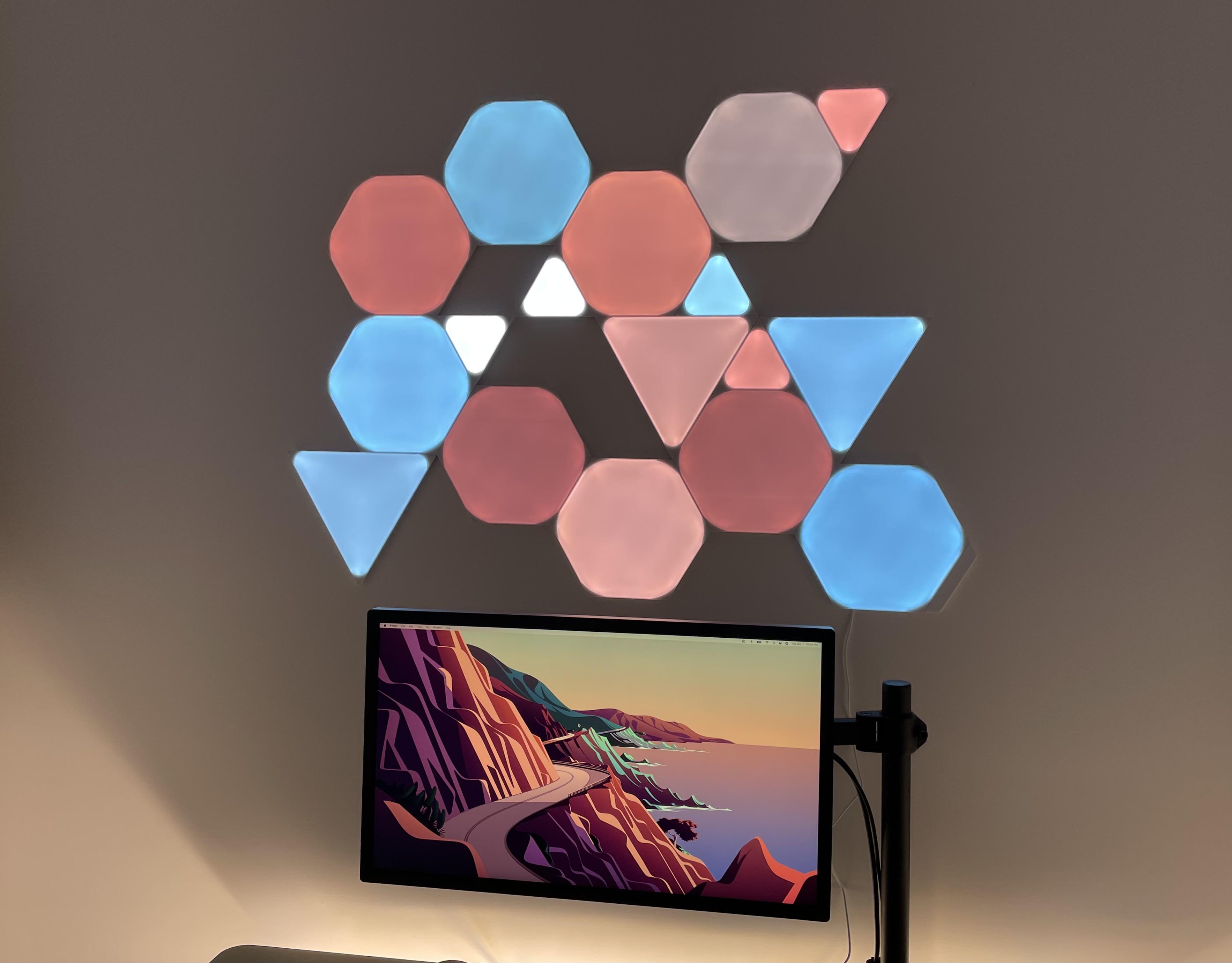 Review Nanoleaf Shapes HomeKit light panels blue/red