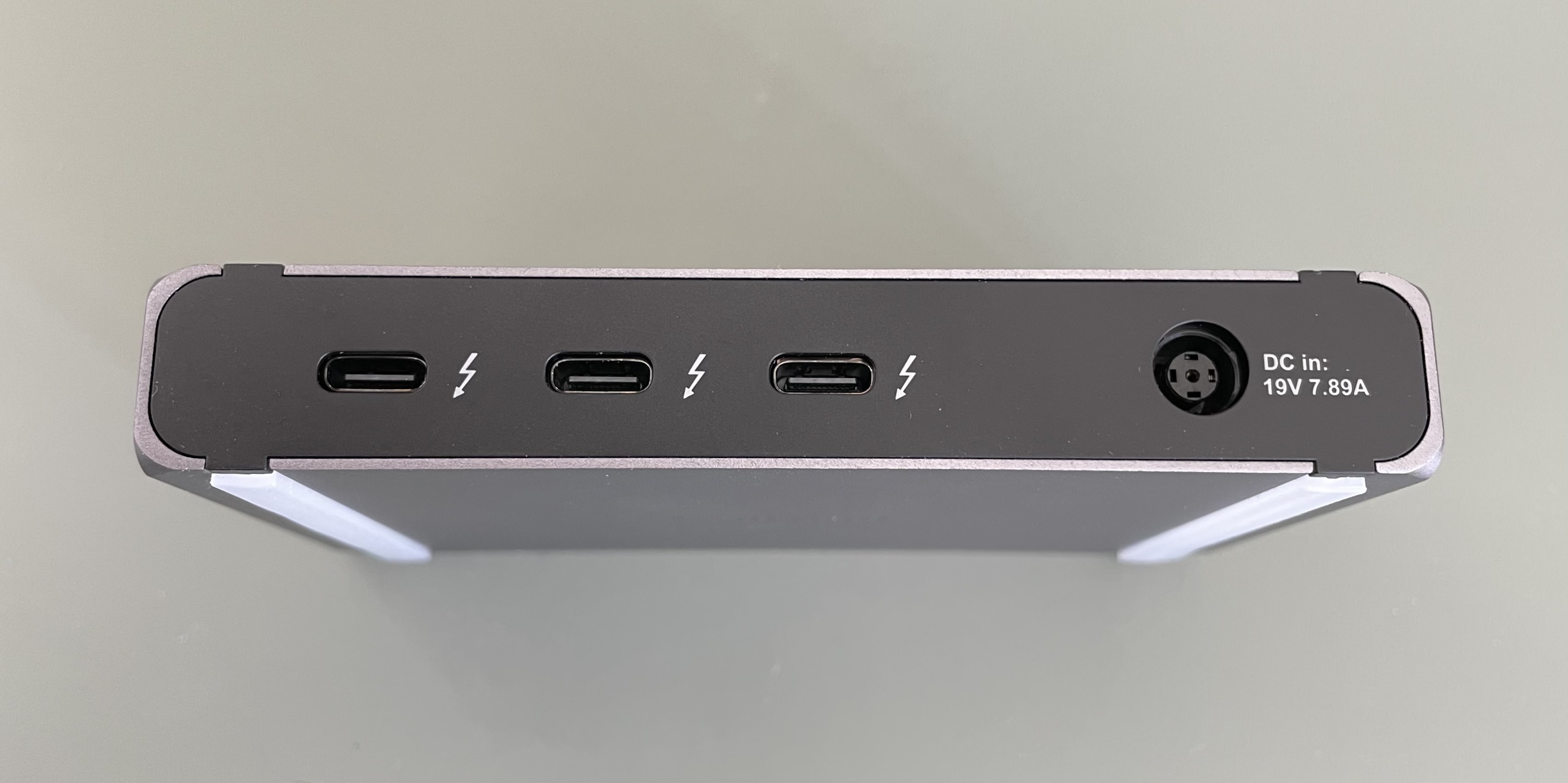 caldigit thunderbolt 4 hub macbook review reversible 1