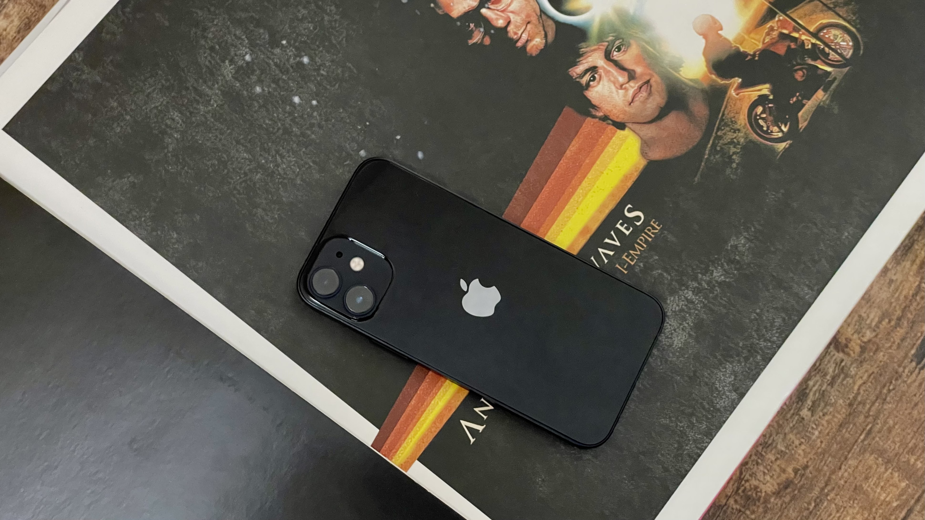iPhone 20 mini Best for people who don't love phones, but love ...