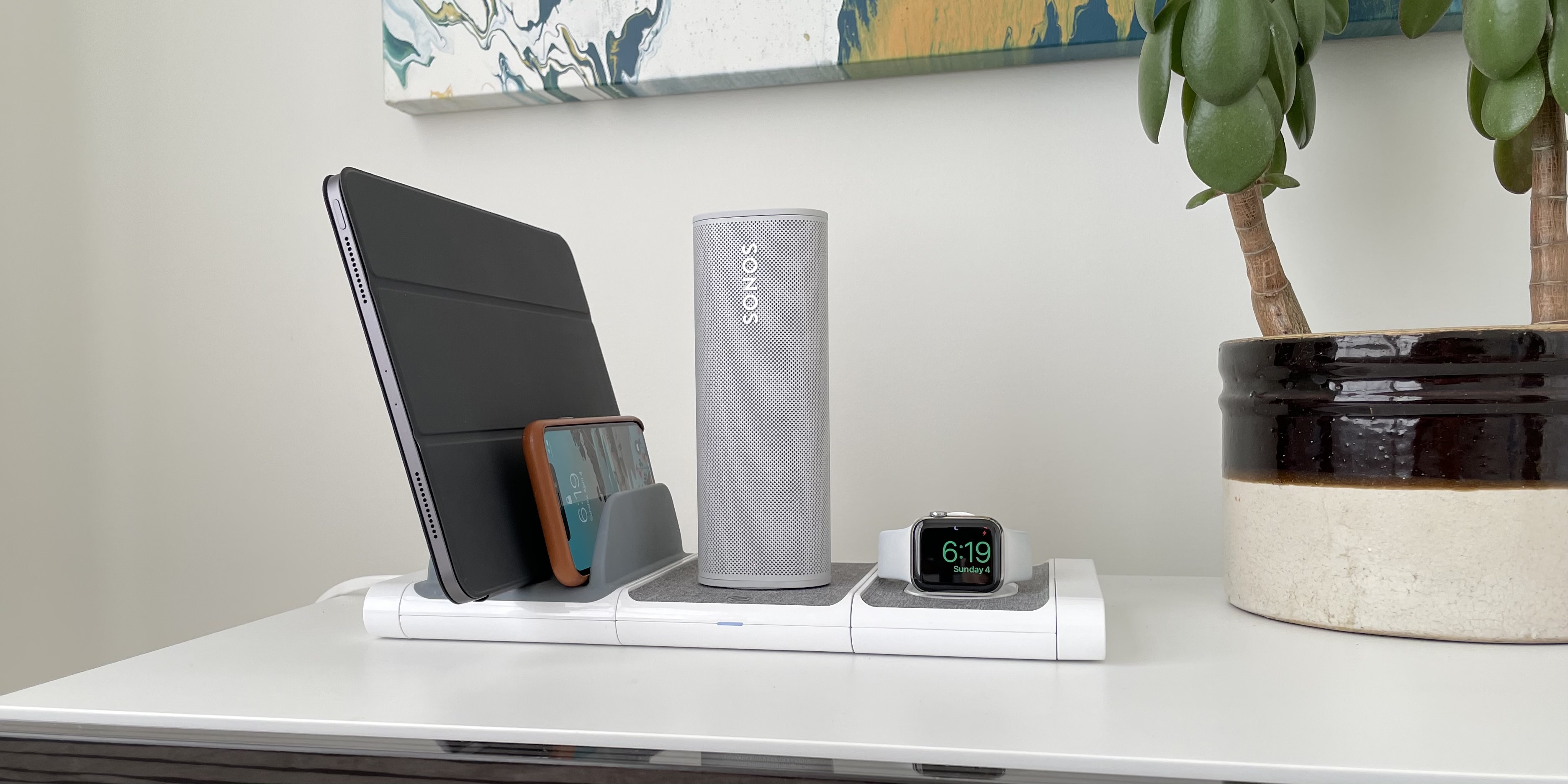 Sonos Roam portable speaker Qi wireless charging