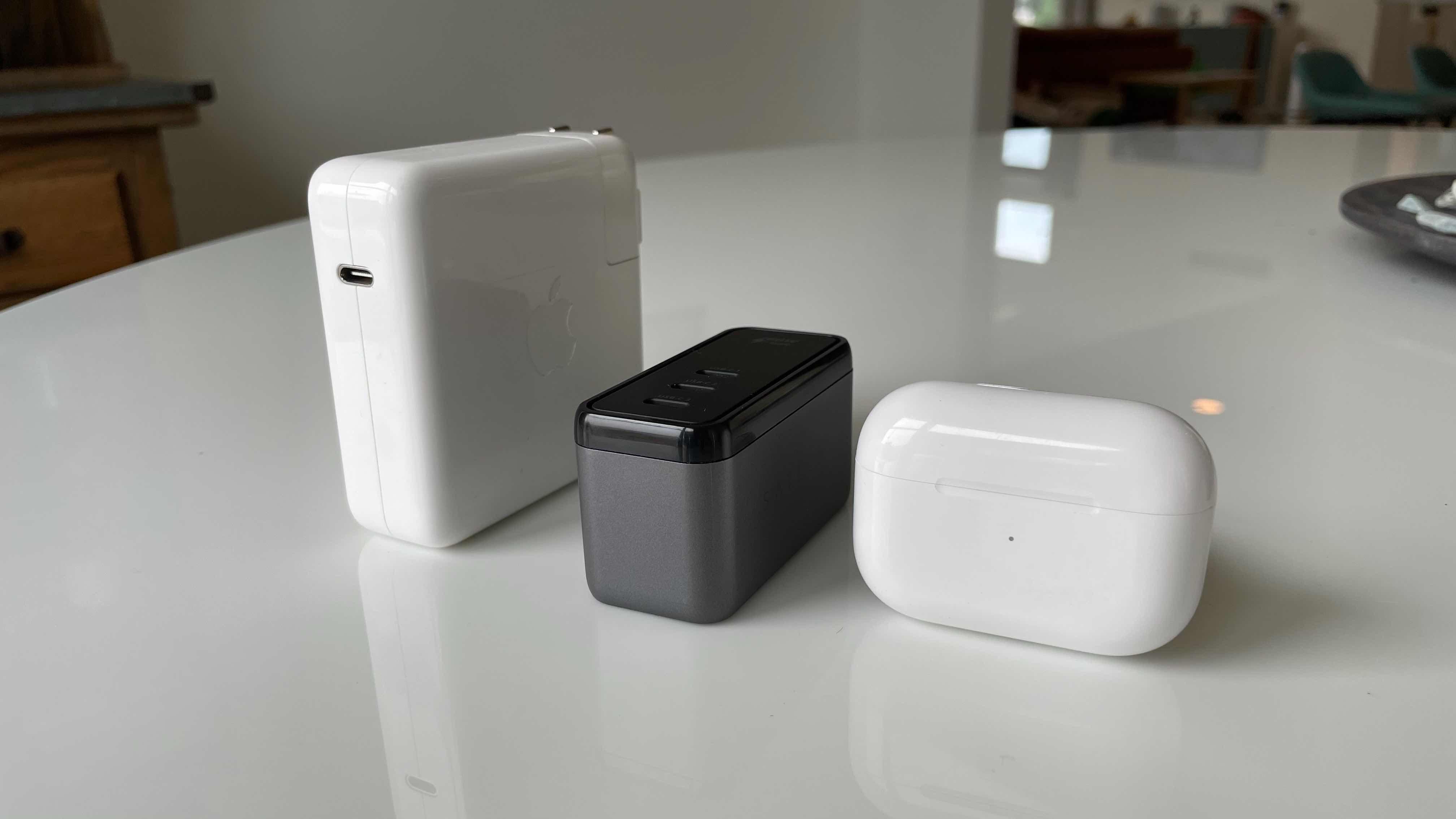 Satechi GaN USB-C chargers size comparison 2