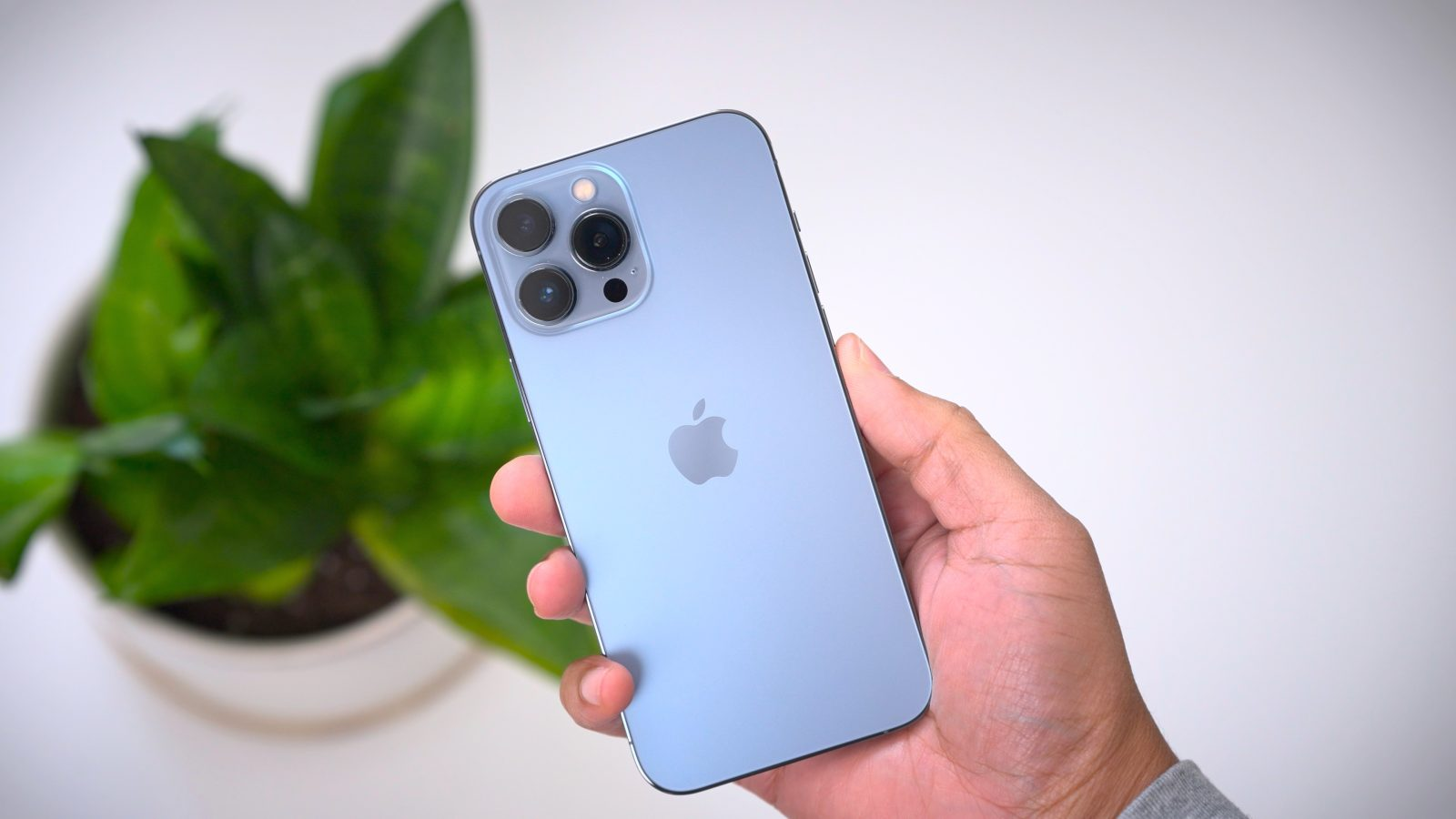 Apple execs praise iPhone 13 camera revolution in new interview